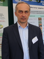 Головач Владимир Васильевич, зав. отделом информации, маркетинга и патентных исследований Института защиты растений
